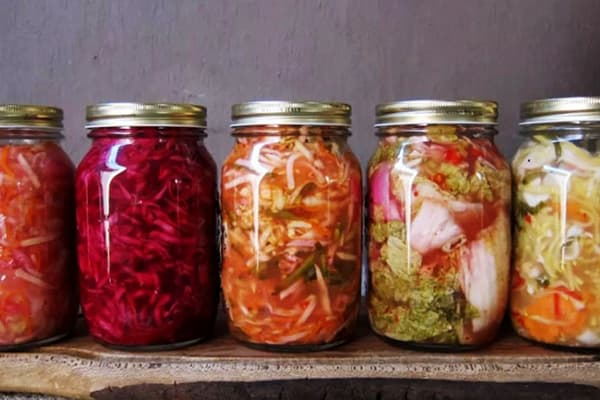 Пикантные салаты из ферментированных овощей