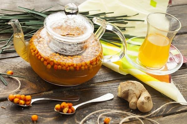 Чай с облепихой и пряностями