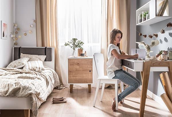 Комната в бежевых тонах для девочки-подростка