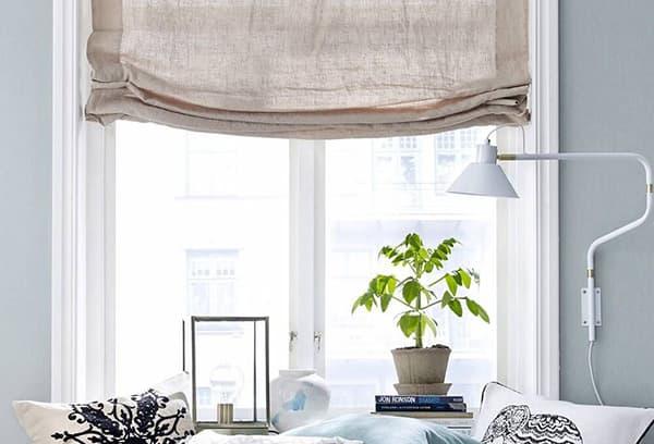 Декор окна в комнате девочки-подростка