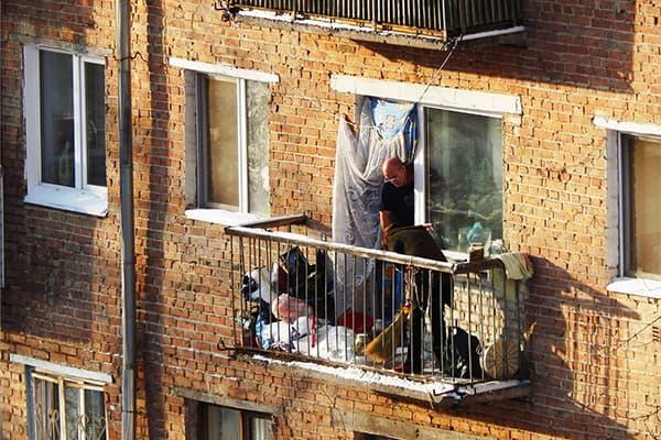 Хлам на балконе