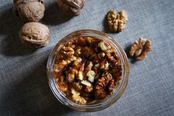 Ореховый десерт с медом и корицей