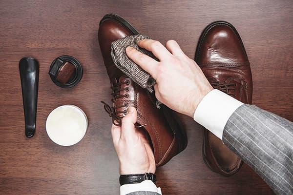 Уход за обувью в сезон дождей и слякоти