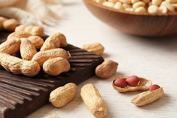 Чистка арахиса
