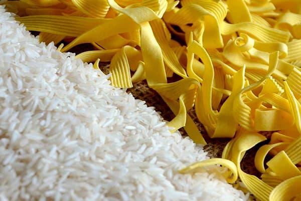 Белый рис и яичная лапша