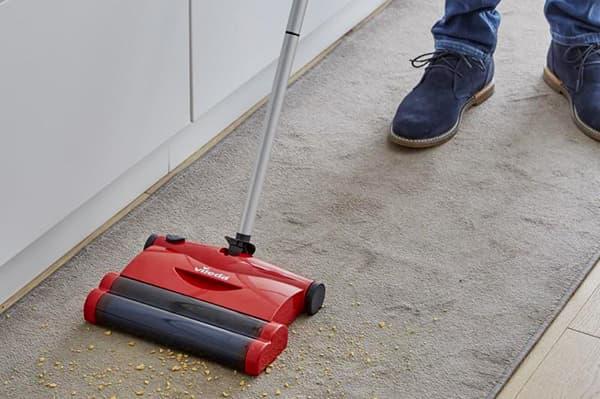 Электрическая щетка для ковровых покрытий