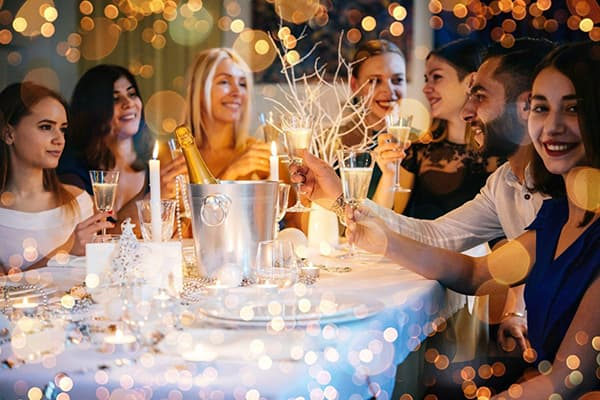 Новогодняя вечеринка в ресторане