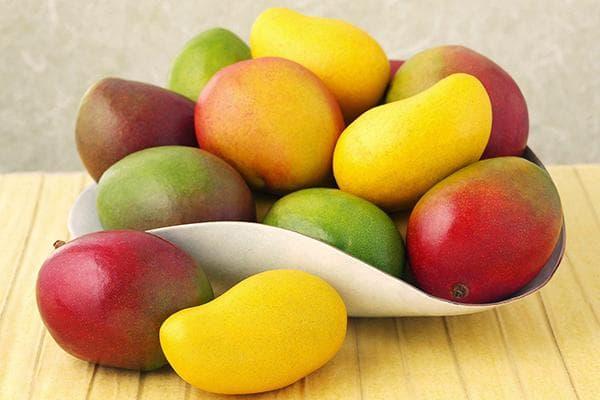 Зрелые плоды манго