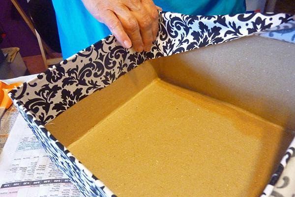 Оклейка коробки бумагой