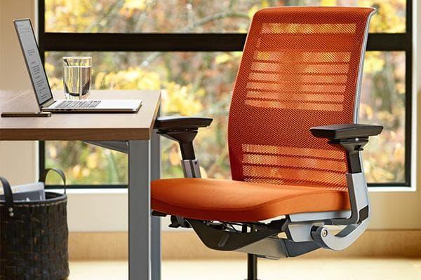 Сетчатая обивка офисного кресла