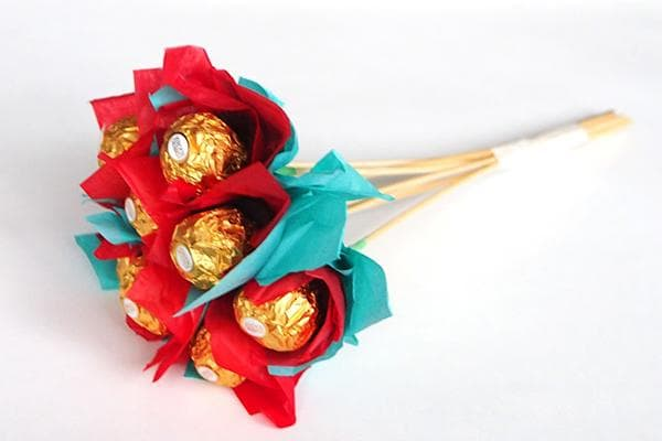 Букет из конфет на шпажках