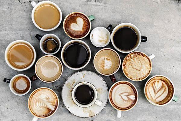 Много чашек кофе