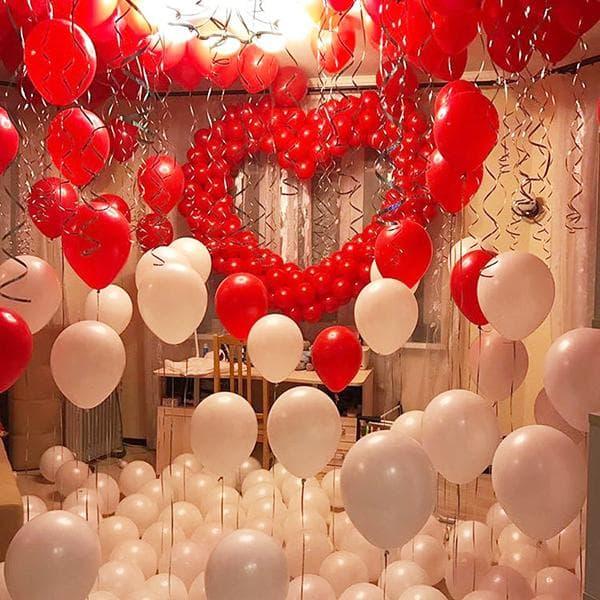 Комната, заполненная воздушными шарами к 14 февраля
