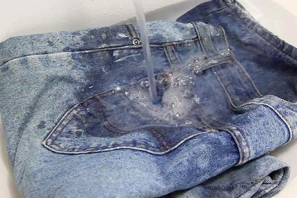 Стирка джинсов в холодной воде