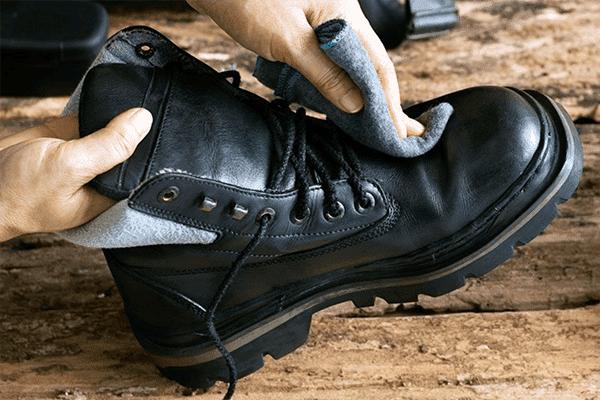 Чистка зимней обуви