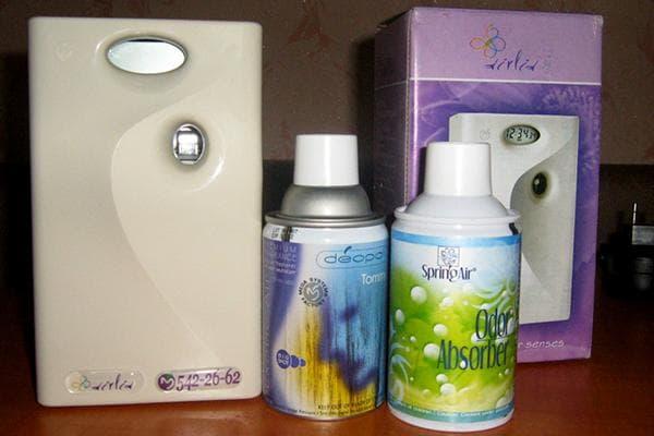 Автоматический ароматизатор воздуха и сменные баллоны со спреем