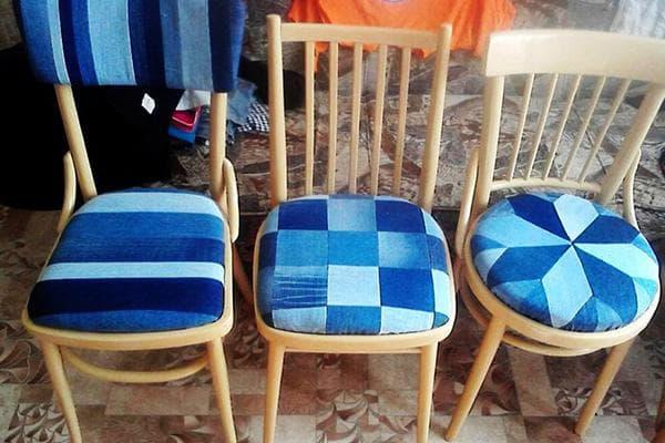 Обивка для стула из старых джинсов