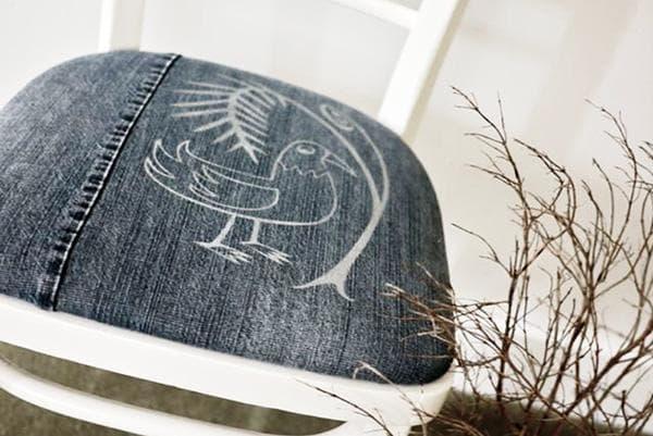 Обивка для стула из джинсов с рисунком