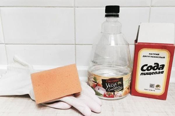 Сода и уксус от плесени в ванной