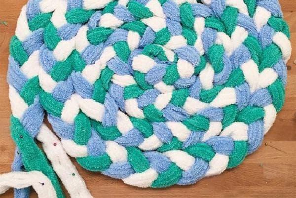 Плетение коврика из тряпичных кос