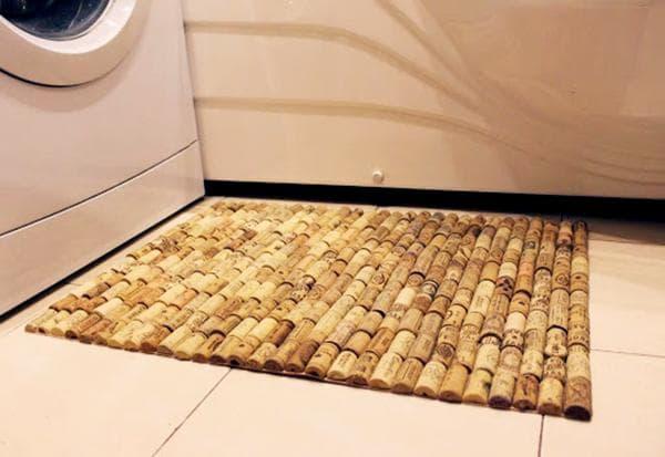 Пробковый коврик в ванной