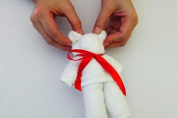 Мишка из полотенца