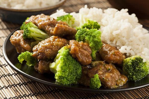 Говядина с рисом и брокколи