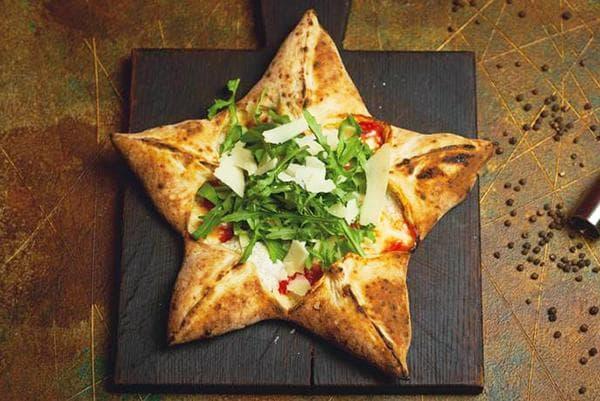 Пицца в виде звезды к 23 февраля