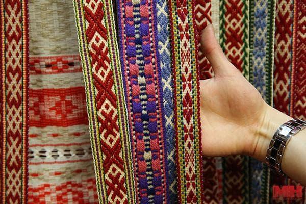 Плетенные пояса из ниток