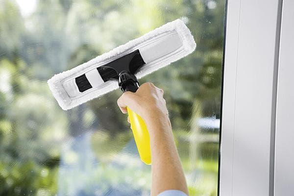 Мытье окна Керхером