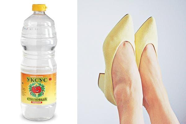 Растягивание замшевых туфель уксусом