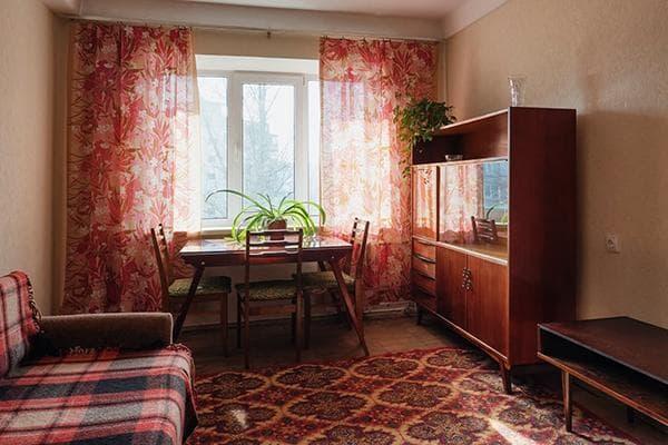 Комната со старой мебелью