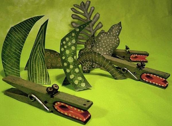 Поделки - крокодилы из прищепок