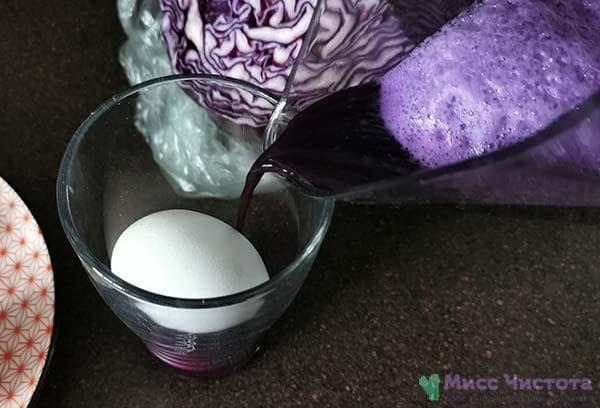 Яйца в подсоленной воде