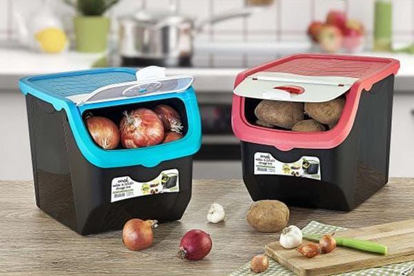 Контейнеры для хранения овощей на кухне