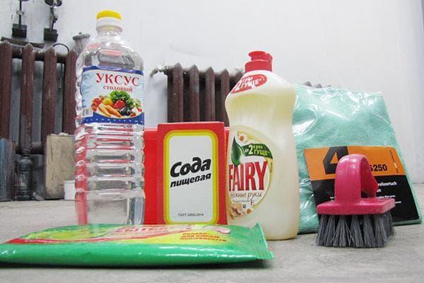 Подручные средства для чистки салона автомобиля