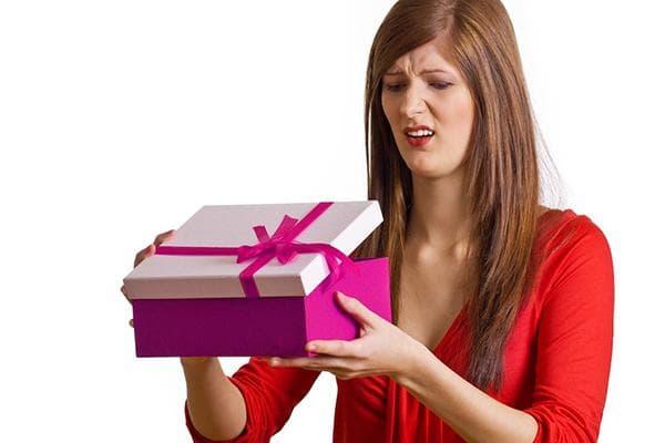 Женщине не понравился подарок