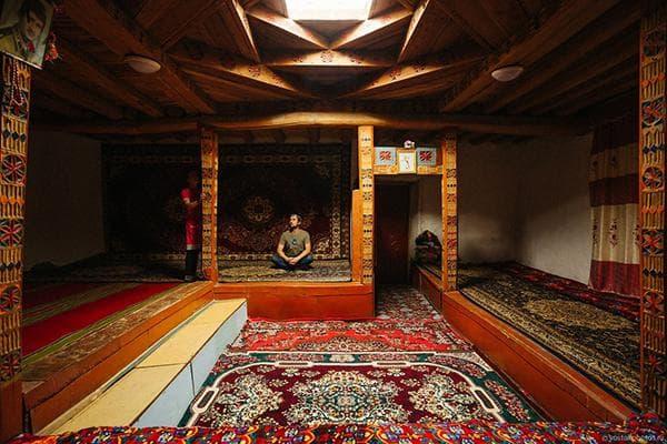 Традиционный интерьер Узбекистана
