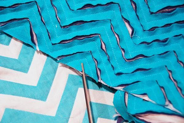 Изготовление коврика в технике синель из старой простыни