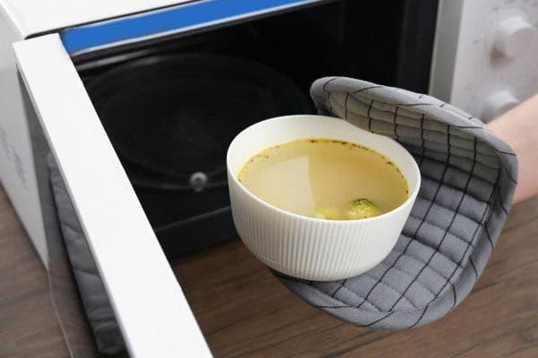 Разогрев супа в микроволновке