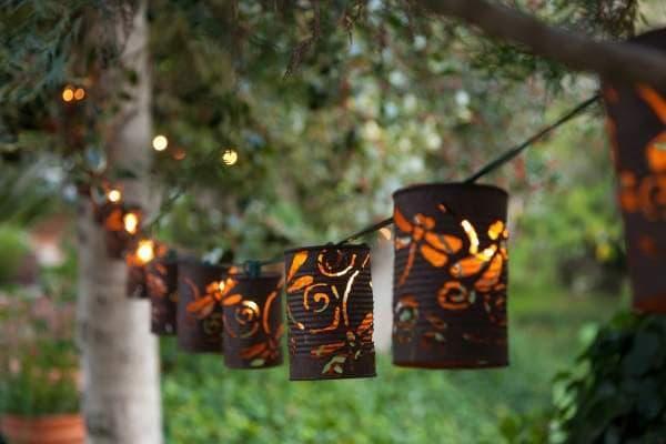 Дачные светильники из жестяных банок