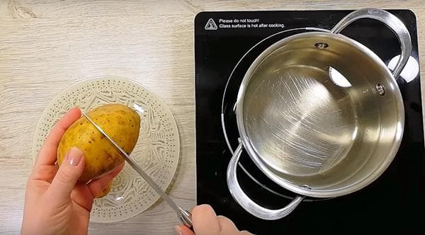 Надрезание картофеля перед варкой в мундире