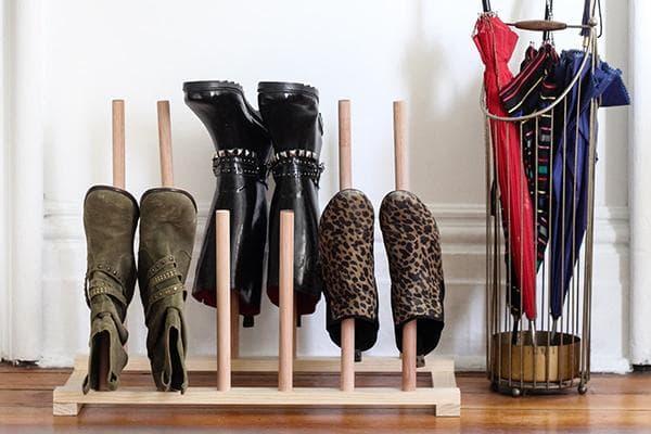 Подставка для обуви в прихожей