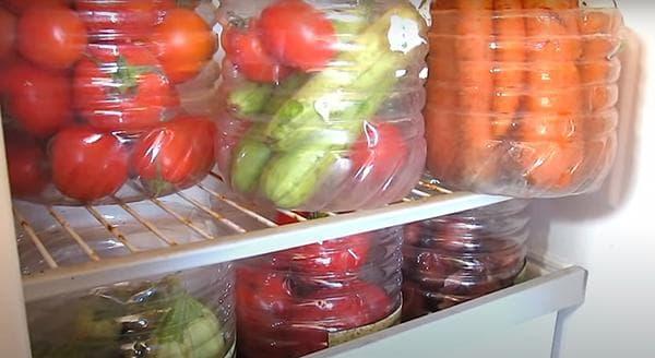 Контейнеры для овощей, сделанные из пластиковых бутылей