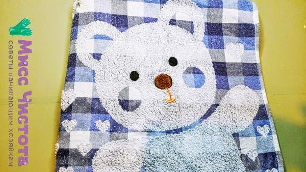 выстиранное детское полотенце