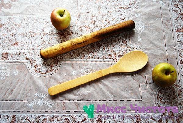 кулинарные лопаточка и скалка