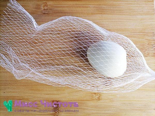 яйцо в сетке
