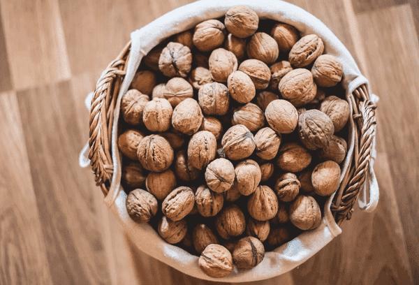 Качественные орехи в скорлупе