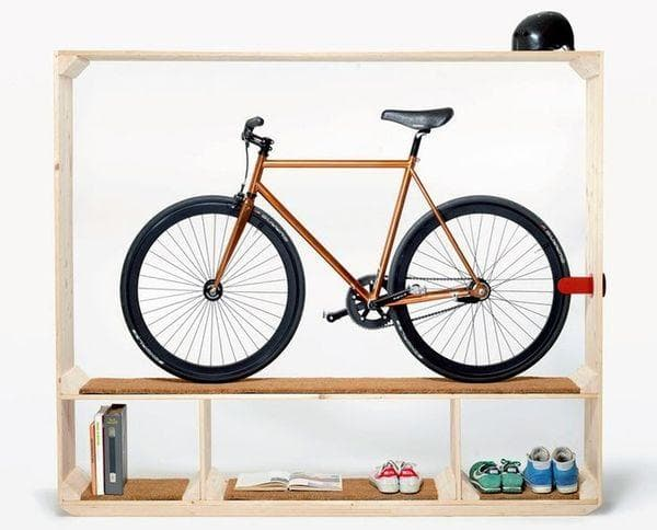 Велосипед на кронштейне