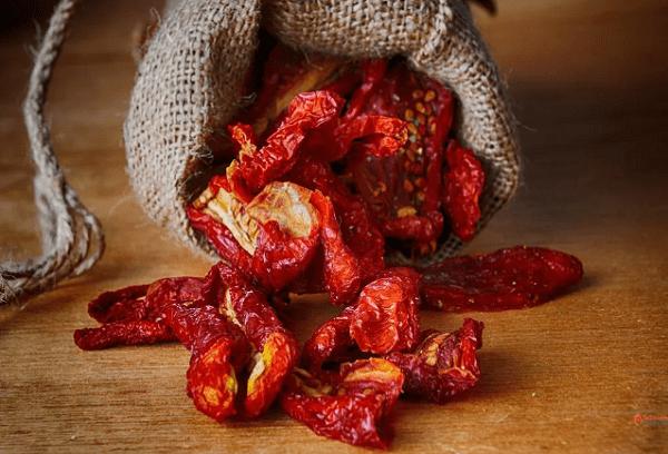 Хранение вяленых помидоров в мешочке